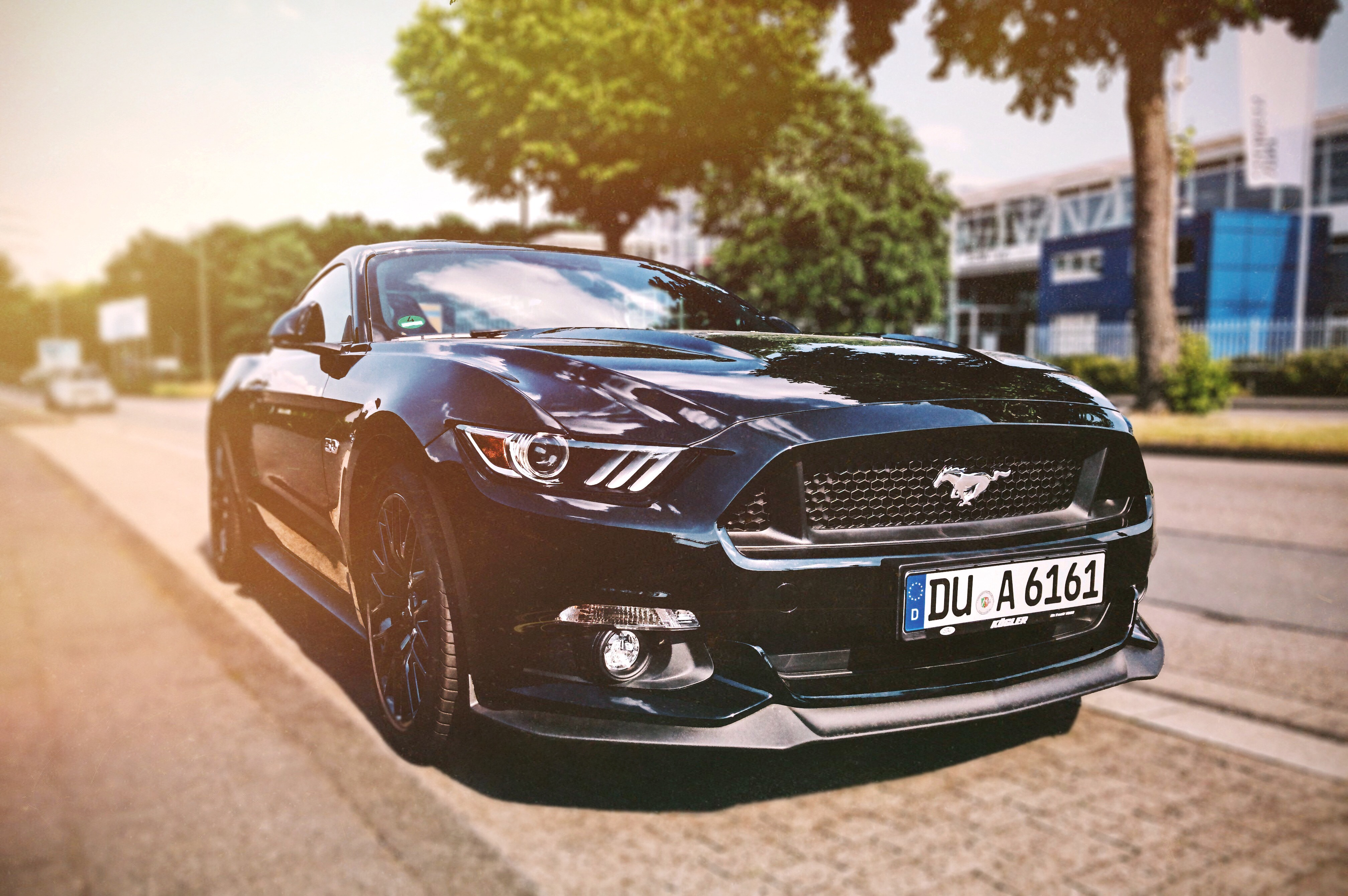 So You Wanna Buy A Car: 6 Tips For First-Time Car Buyers